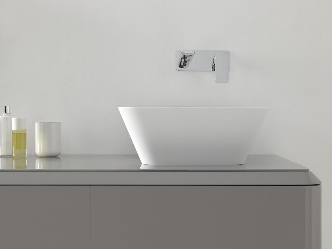Fluent Solidsurface Topmounted Washbasin