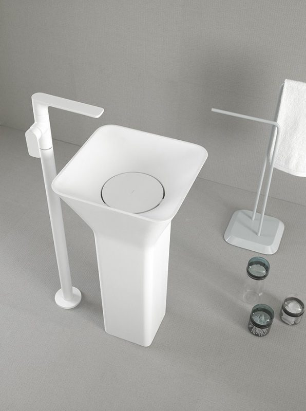 Fluent Solidsurface Freestanding Washbasin