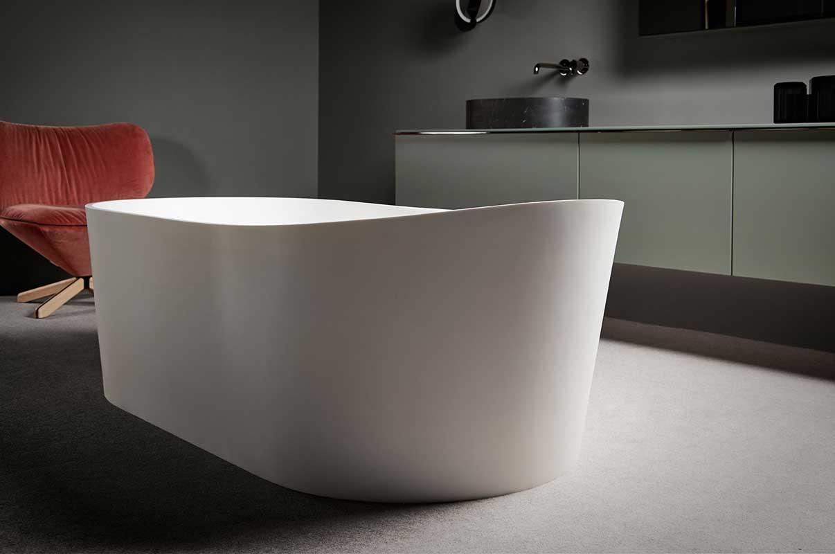 Giro Solidsurface Freestanding Bathtub
