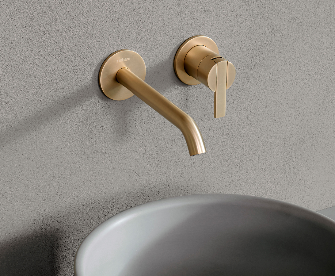 Code Brushed Gold Wallmounted Tap