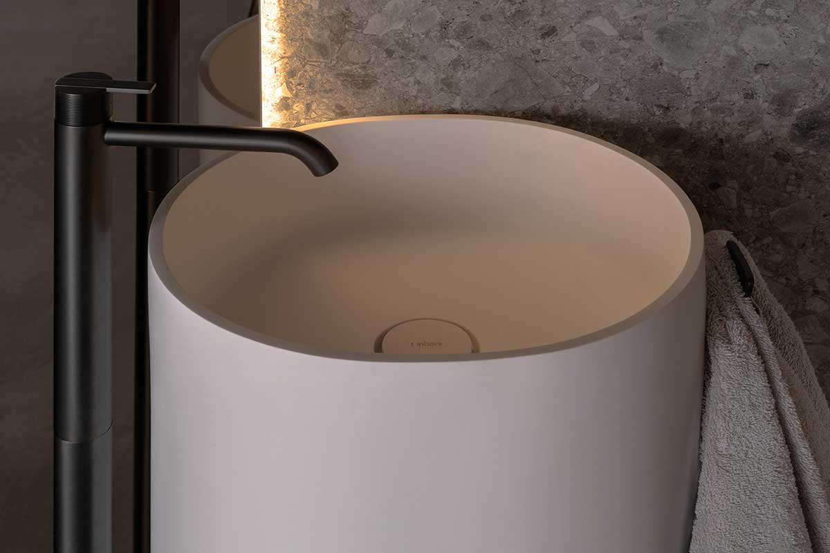 Giro Solidsurface Wall Mounted Washbasin