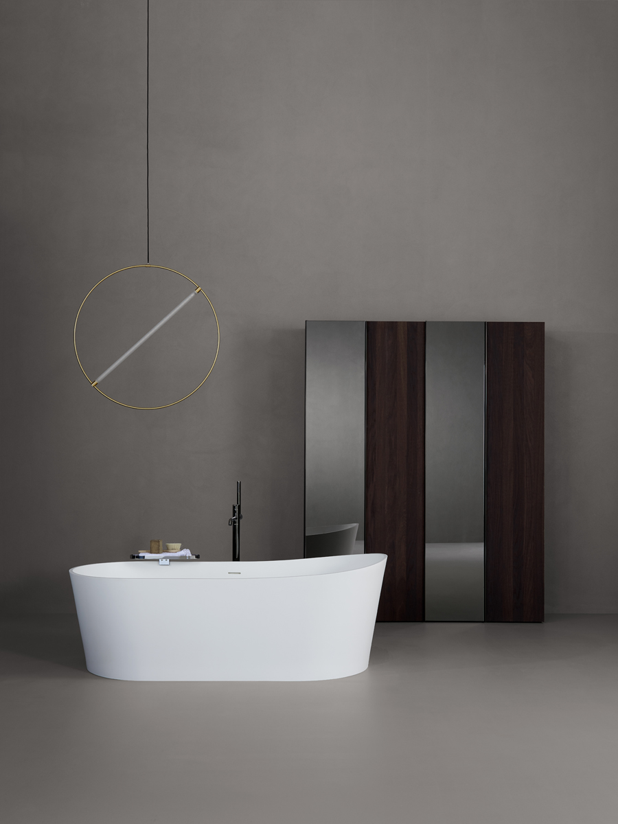 Giro Solidsurface Freestanding Bathtub