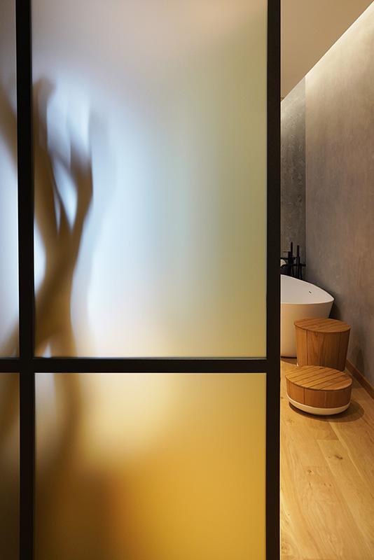 Imagen interior baño Paris 7th